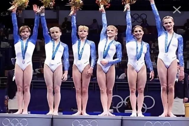 Легендарная сборная России, завоевавшая серебряные медали Сиднейской Олимпиады