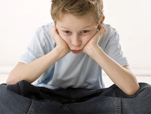 Ребёнок остаётся один на один с проблемами, над которыми веками бились философы: кто я, для чего живу?