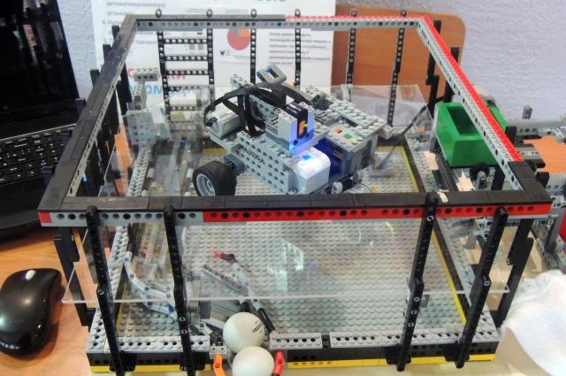 Большой популярностью пользовалась выставка Lego-роботов.