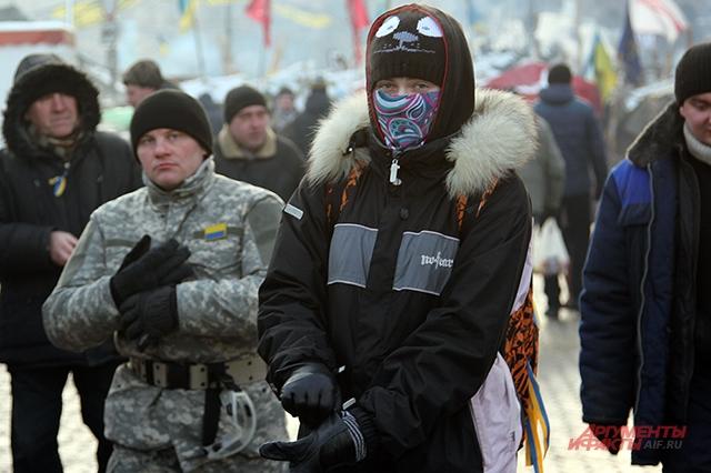 Подростки от 13 до 17 лет часто встречаются среди митингующих