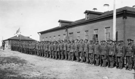 Редкое фото карельского батальона под руководством Филиппа Вудса