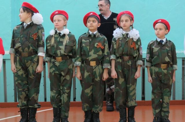 Из разных сёл Сухобузимского района сюда съехались участники военно-патриотической игры «За Москву!».