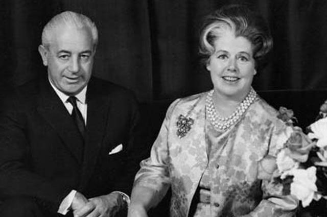 Гарольд Холт с женой. 1950 г.