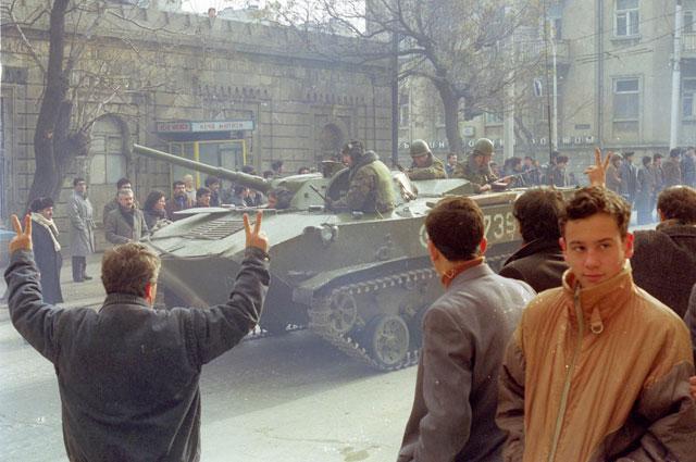 Подразделения советской армии в Баку.