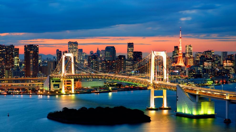 Радужный мост в Токио.