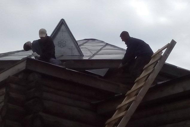 Это уже второй храм Михайловской обители, который сносят по решению суда.