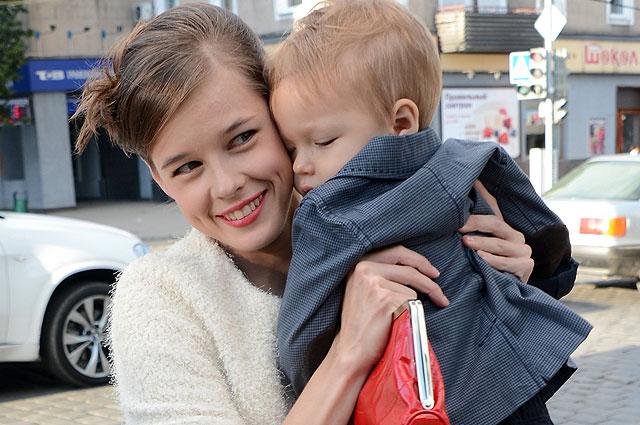 Актриса Катерина Шпица с сыном Германом. 2013 год.