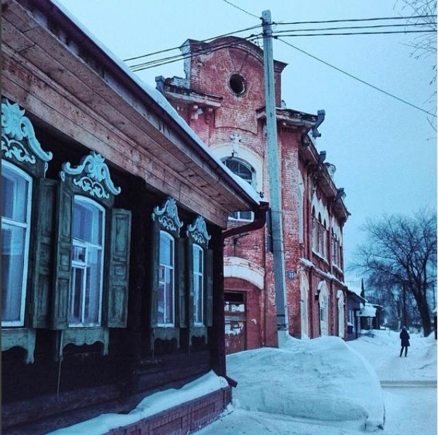 До появления русских поселений в районе Мариинска жили тюркоязычные чулымские татары.