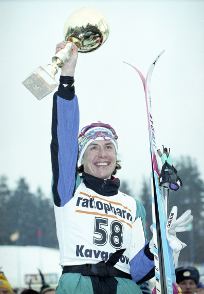 Российская спортсменка Любовь Ивановна Егорова выиграла Кубок мира по лыжным гонкам в Кавголово. 1994 год
