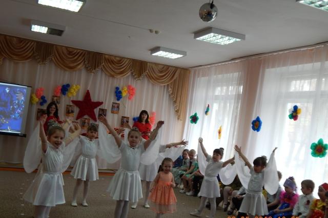 Утренники в детском саду - это театрализованные представления.