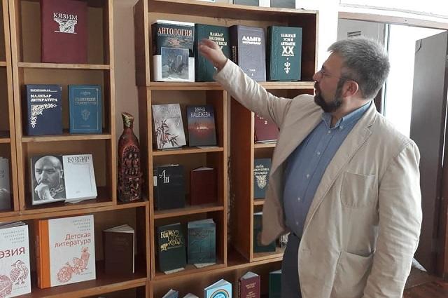 Антологии национальных литератур не издавались с советских времён.