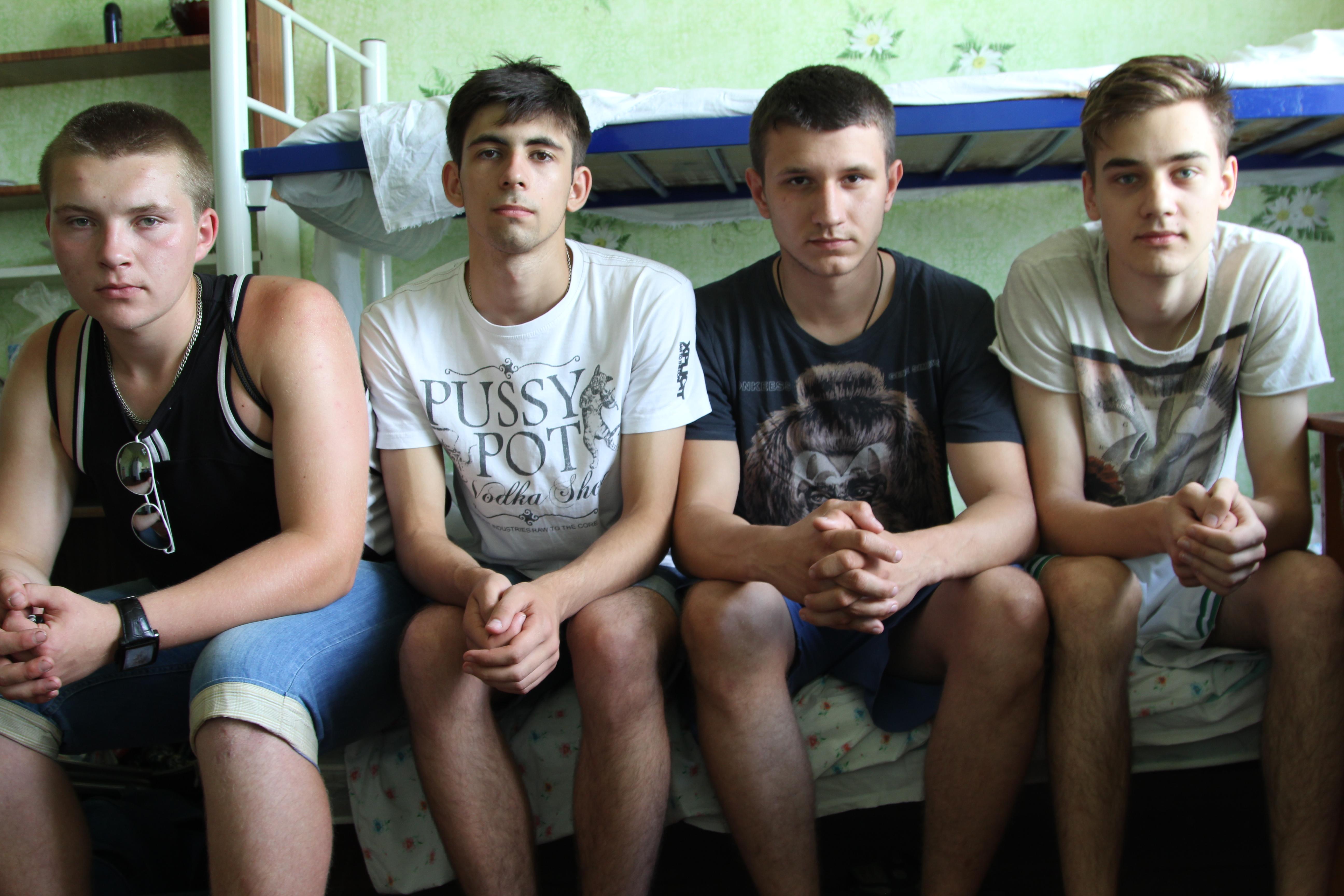 Ребят из украинского Донецка привезли поступать в вуз по инициативе землячества