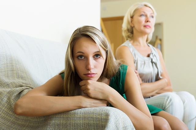 Отношения матери и дочери.