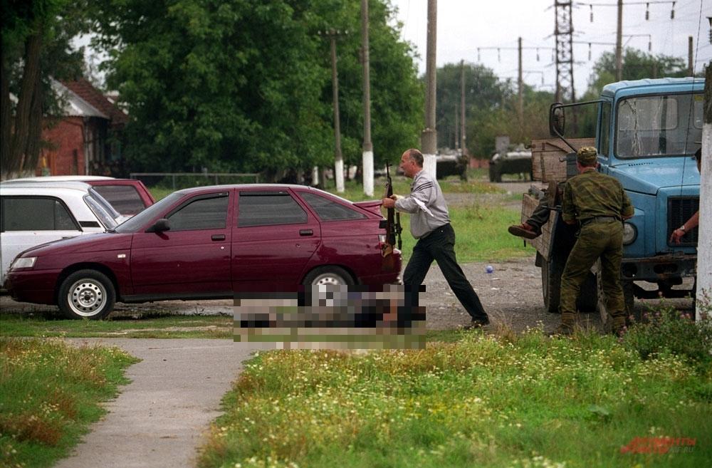 Грузовик,куда грузили трупы расстрелянных заложников.