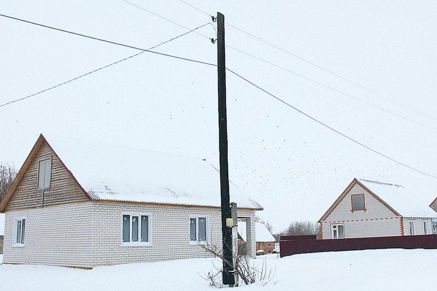 Новые уютные домики, построенные для работников, - главное украшение Лавровки.