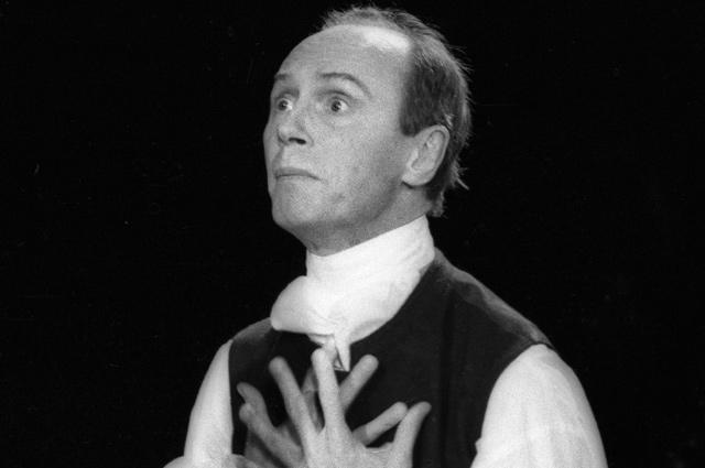 Артист Центрального академического театра Советской Армии Борис Плотников в роли Александра в спектакле «Павел I». 2005 г.