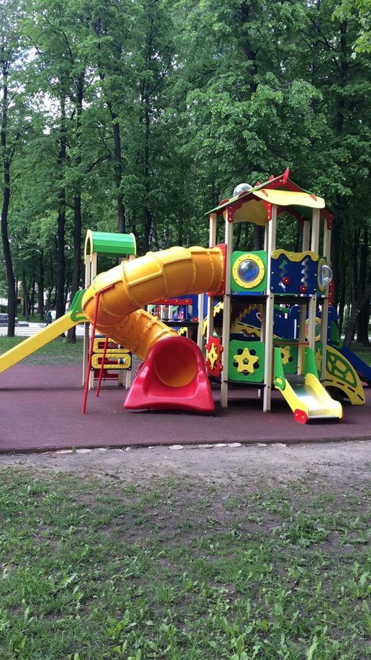 Площадки в лесопарке