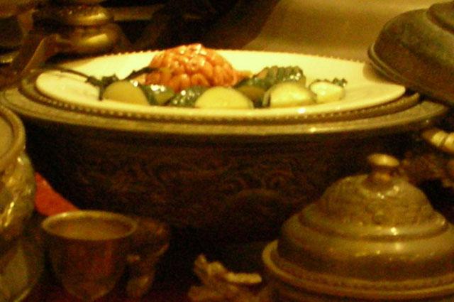 Макет блюда с обезьяньими мозгами в одном из китайских музеев.