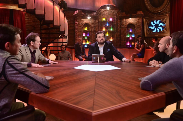 Василий Уткин во время съемок шоу Большой вопрос