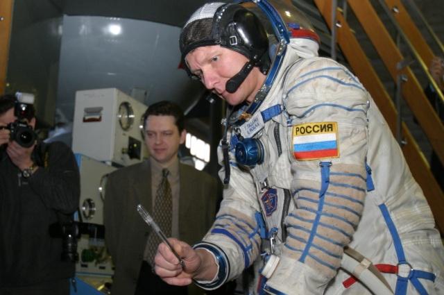 Геннадий Падалка - космонавт-рекордсмен.