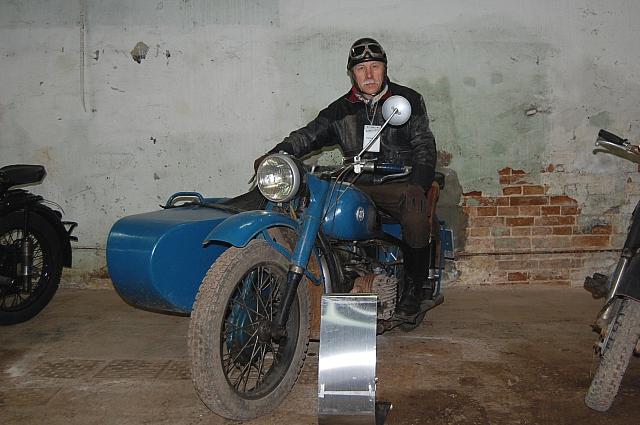 Поездка в Ирбит в 2012 году на Кастом-форум на мотоцикле М-72.