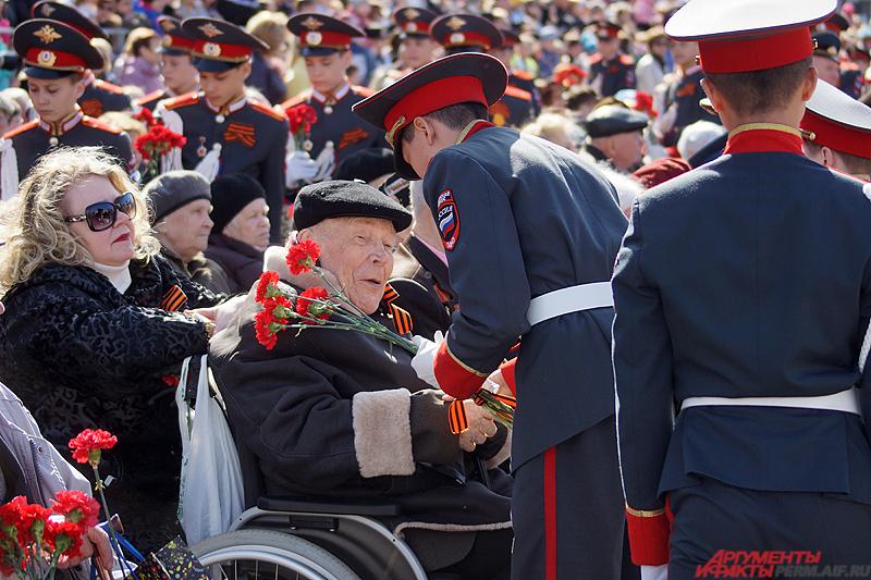 Ветеранам подготовят тысячу мест на трибунах