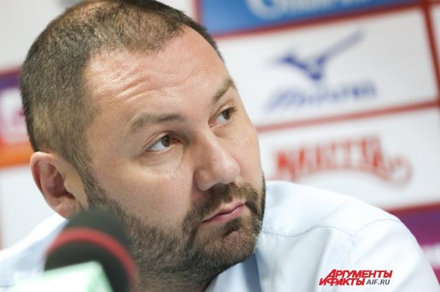 Ришат Гилязутдинов не прочь возглавить женскую сборную России по волейболу.