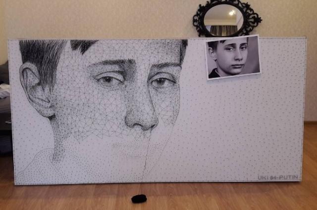 Ко дню рождения президента умелец создал его портрет в юном возрасте.