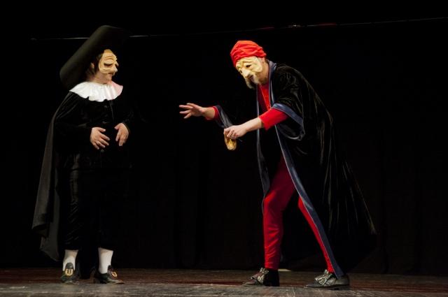 Старик Панталоне и доктор Беланцоне - основные образы комедии дель арте.