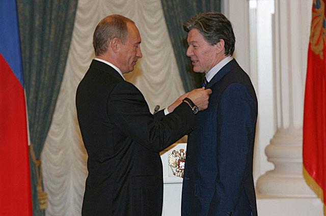 Награждение Александра Збруева орденом За заслуги перед Отечеством IV степени. 2007 год