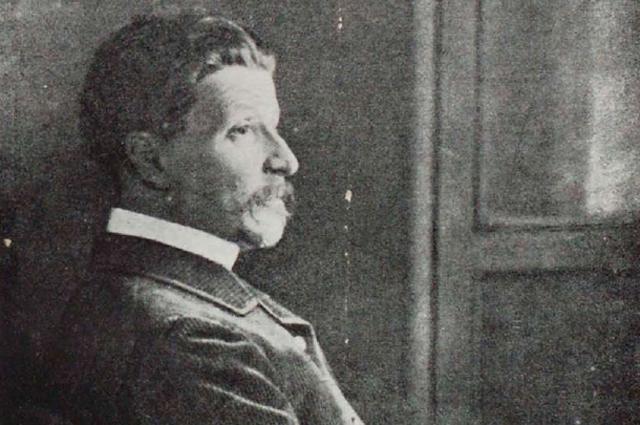 Михаил Врубель в 1898 году.