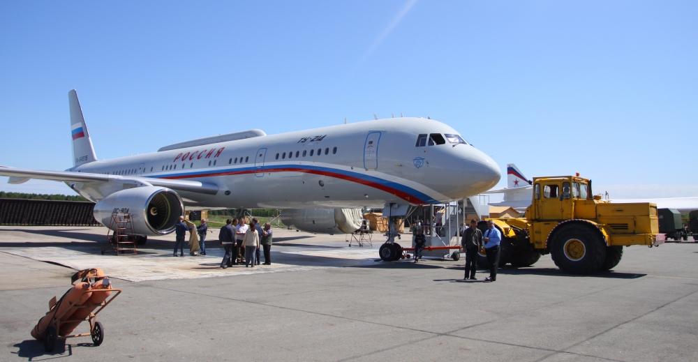 Ту-214СР - самолет-ретранслятор.