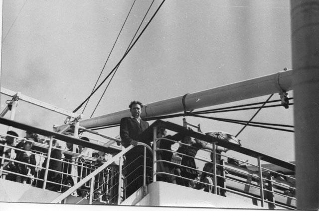 Прогулочная палуба «Адмирала Нахимова» в 1957 году.