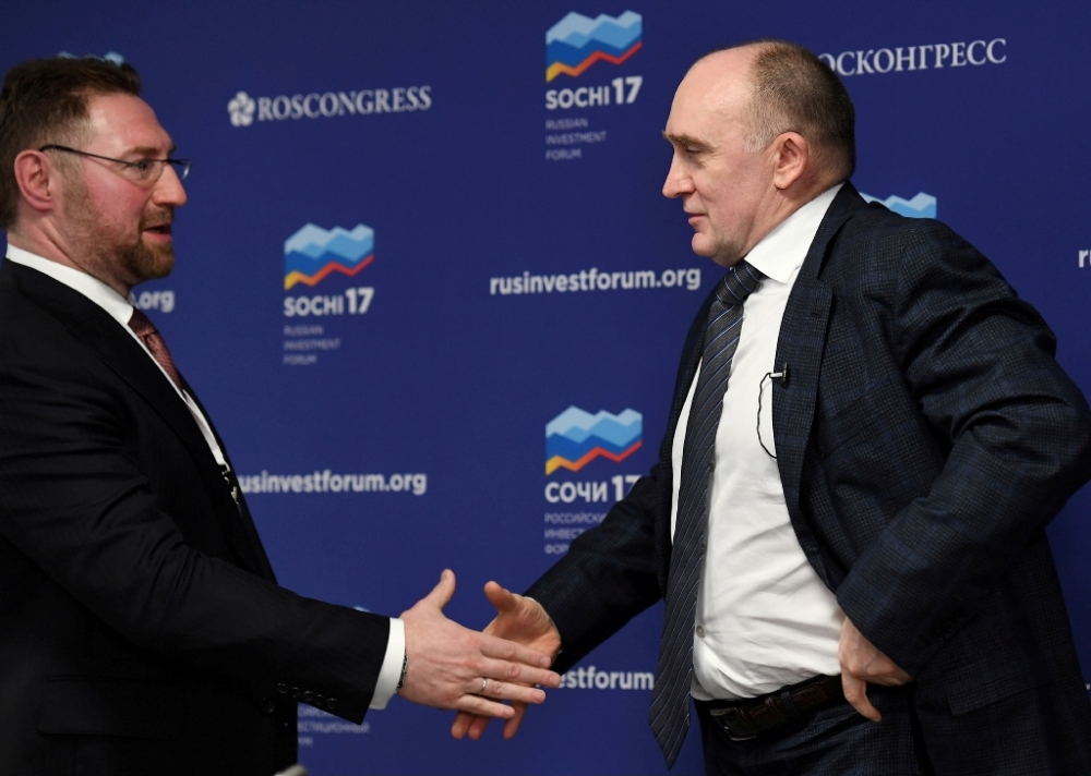 Губернатор Челябинской области Борис Дубровский (справа) и президент Русской медной компании Всеволод Левин уверены в том, что подписанное в Сочи соглашение может стать одним из самых масштабных и успешных примеров государственно-частного сотрудничества в социальной сфере.