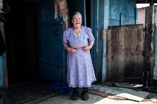 Приходится в 82 года снова с хозяйством самой справляться.