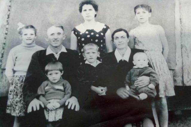 Мария Диль с детьми.