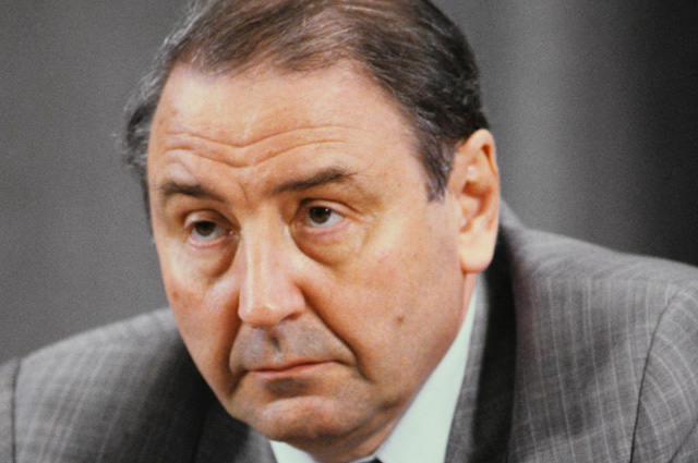 Олег Бакланов на пресс-конференции членов Государственного комитета по чрезвычайному положению, 19 августа 1991 года.