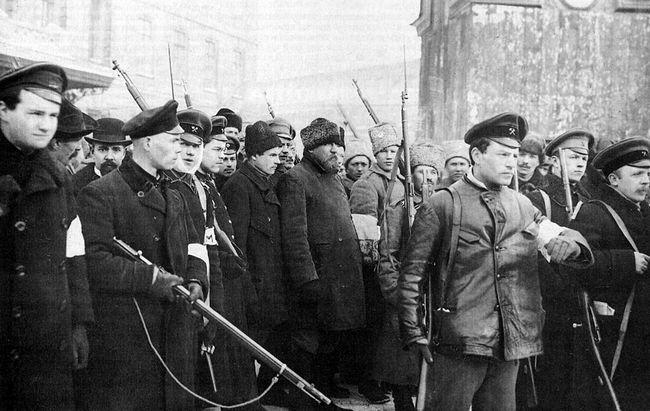 В 1917 году большевики заявляли о неприятии смертной казни.