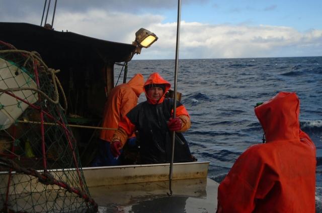 Рыбаки продолжали работать, несмотря на задержку зарплат.
