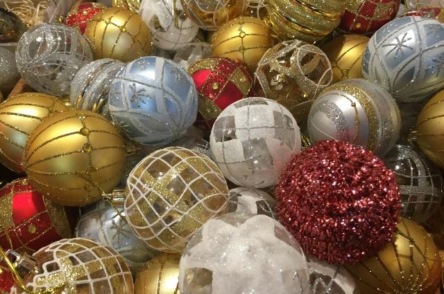 Новогодние шары.