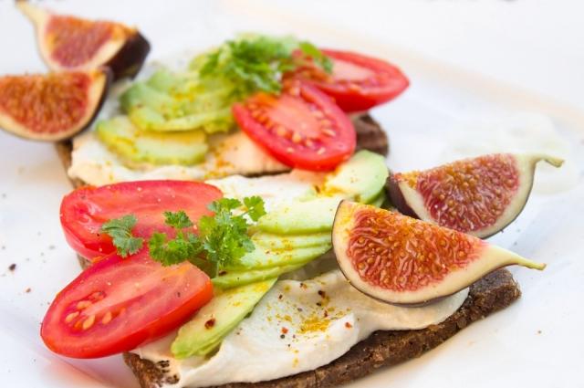 Сэндвич с инжиром гораздо полезней обычных сладостей.