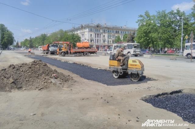 «Безопасные и качественные дороги» - один из проектов, по которому города области получает фидереальное финансирование и могут наводить у себя порядок.