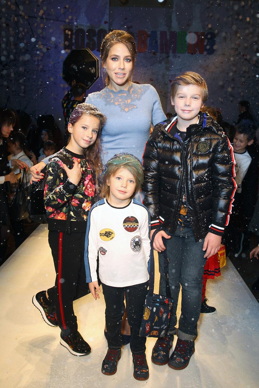 С детьми Артёмом,  Яной и Арсением.