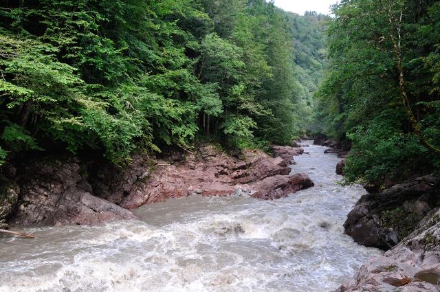Река белая в Адыгее.