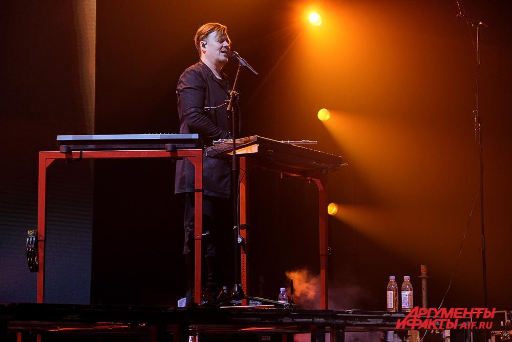 Концерт «NewBest» группы Би-2 в Перми
