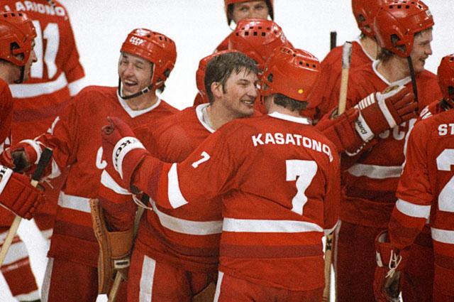 Престиж советской политической системы зависел от выступления хоккеистов (советские хоккеисты 8-кратные чемпионы Олимпийских игр)... 1984 год