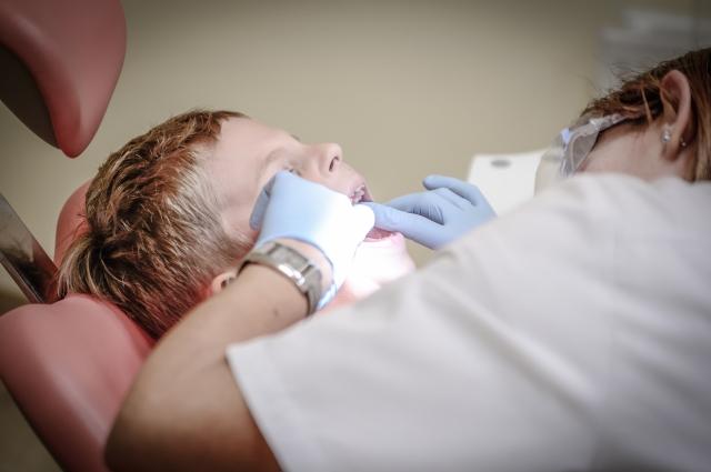 Лечить зубы надо по плану, а не из-за острой боли.
