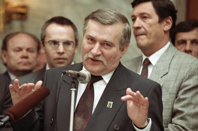 Президент Польши Лех Валенса во время встречи с российскими предпринимателями. 1992 г.