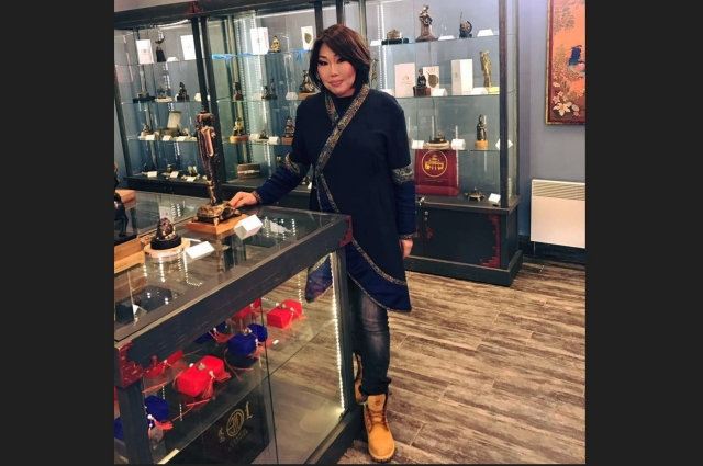 Саяна Ванчикова на рабочем месте.