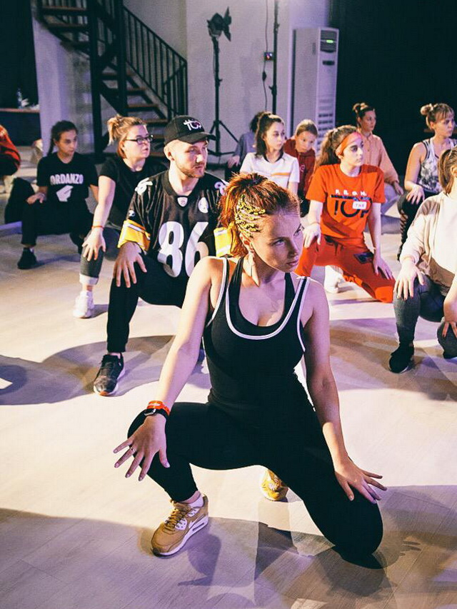 Сегодня возрастные границы в танцах всё больше стираются.